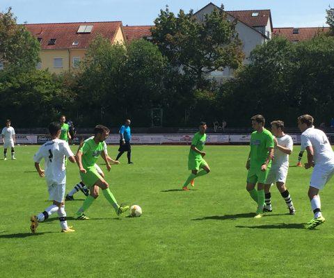 Fußball Auftaktspiel