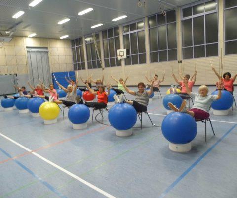 Musikalische Frauengymnastik