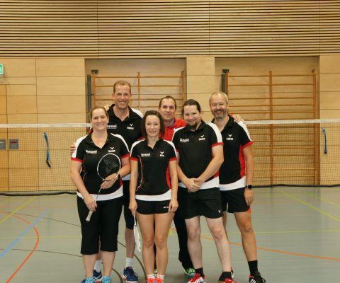Furioser Saisonstart im Badminton