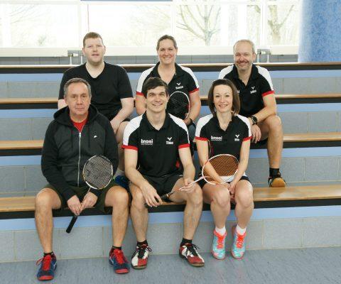 Durchwachsener Spieltag im Badminton