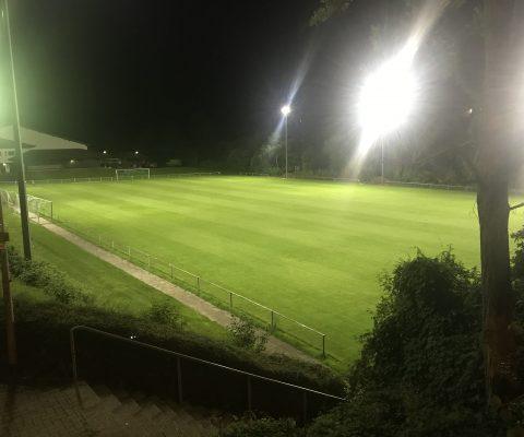 Trainingsplatz erstrahlt in neuem Licht